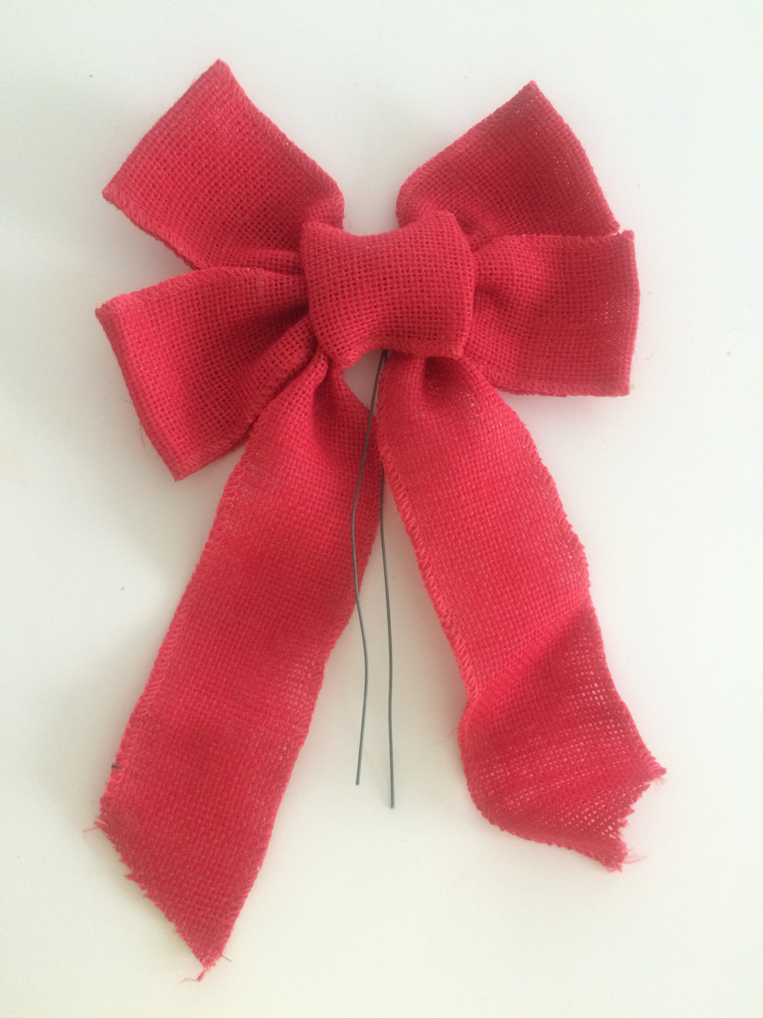 5 loop red burlap bow on wire Image