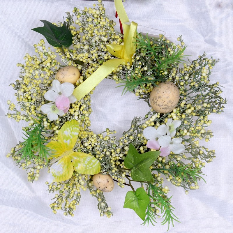 Simple Easter Wreath Image